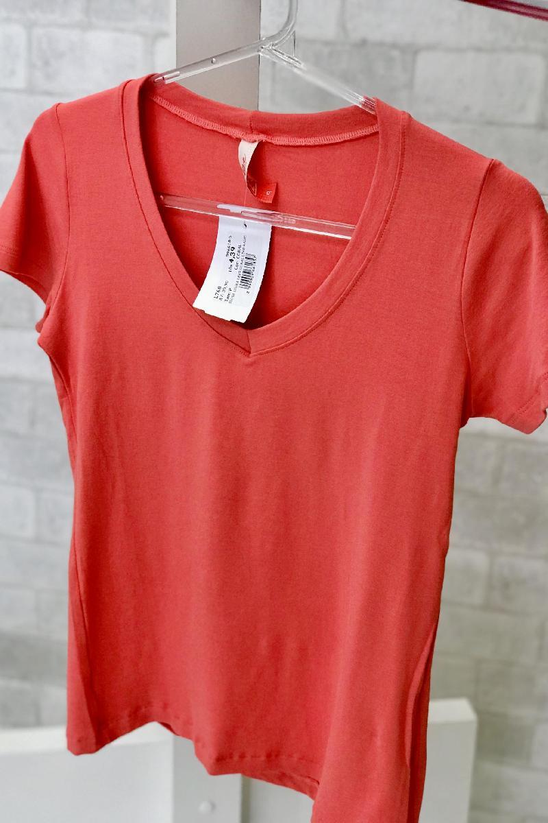 Foto do produto  Blusa Linha Leve Preto L768 Basica Coral